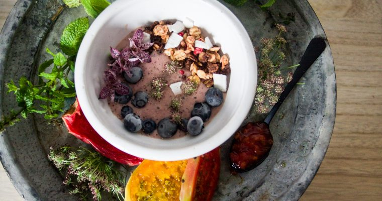 Prickly pear smoothie bowl
