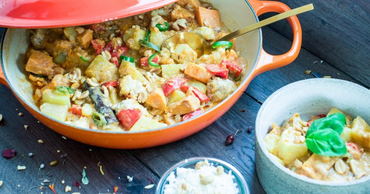 Vegan Massaman Curry – 1 Pot 30 Mins