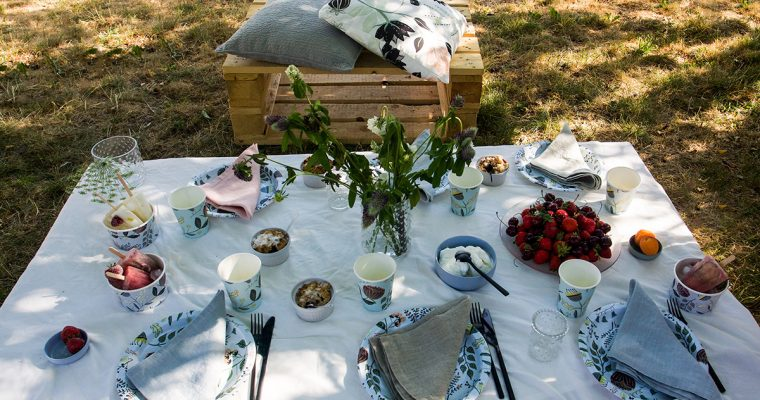 Setting the table for any summer party