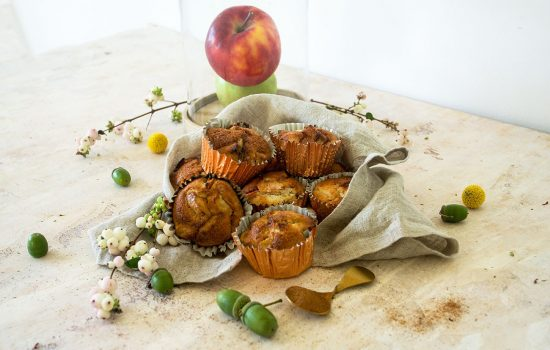 Bakery style apple muffins